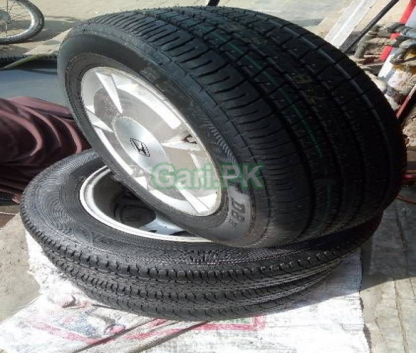 JAPANESE TIRES AND RIMS FOR HONDA CIVIC AND REBORN