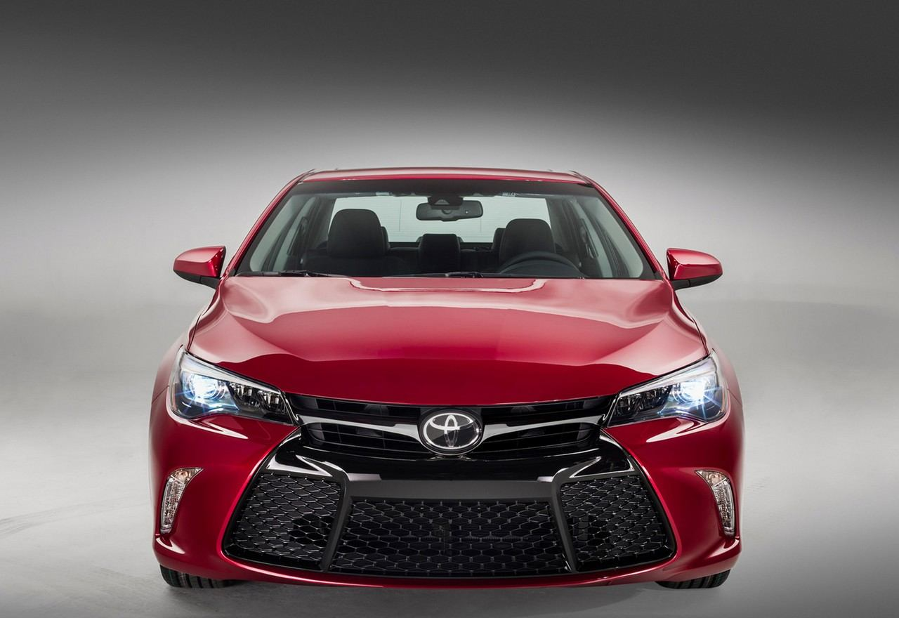 Toyota Introduces New Camry 2018